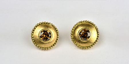 Oorstekers in 18k goud met 3 karaat, 7mm grote  bruine diamanten