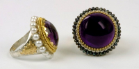 Cake rings. This pearl and amethyst cake rings have a diameter of 30 mm.